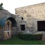1 Casa Pompeiana, larario - Casa del Principe di Napoli - vesuvioweb