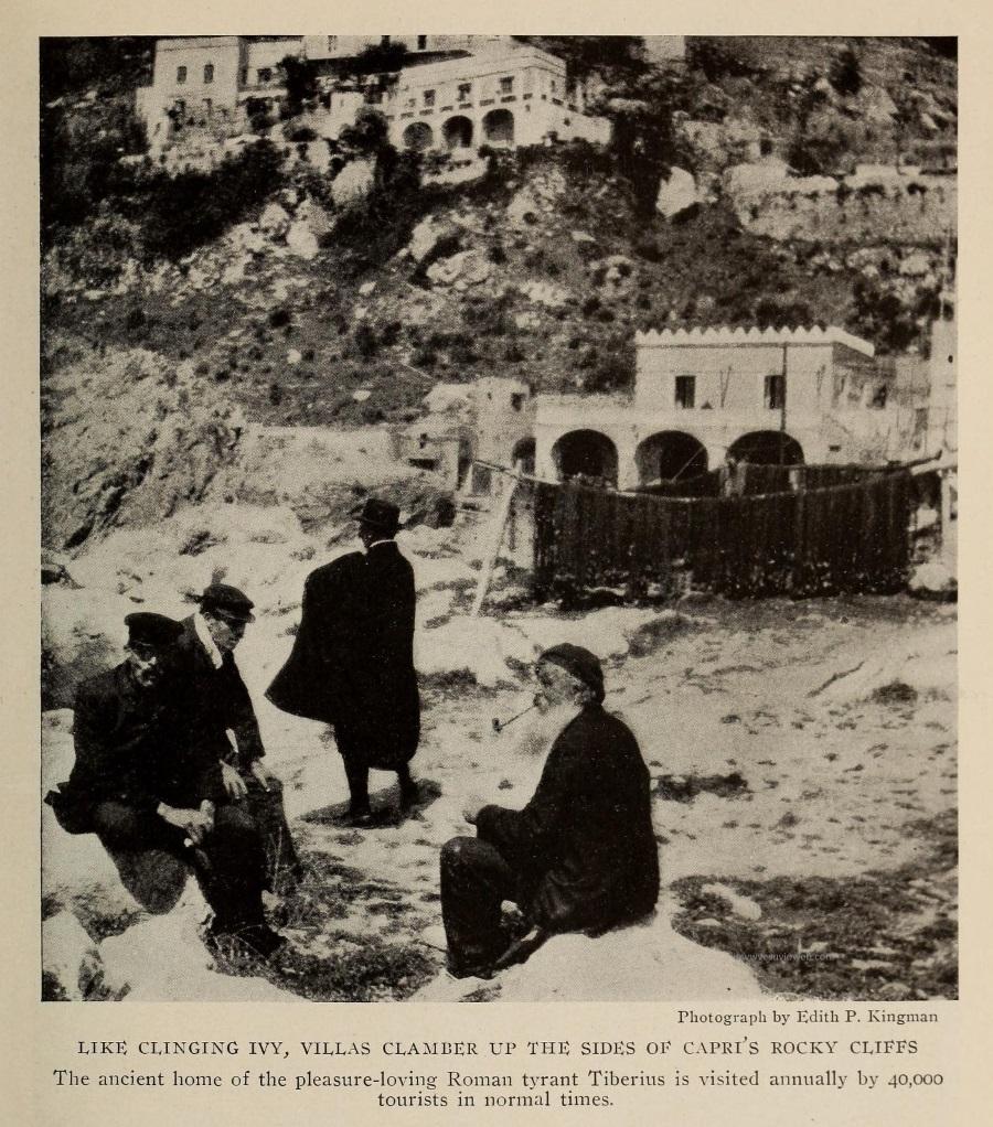 10 The National Geographic Magazine 1888 - Capri, Marina Piccola tra reti, pescatori e gli edifici a mezza costa - vesuvioweb 2016