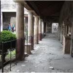 12 Casa pompeiana - Larario - Casa del Porcellino- vesuvioweb