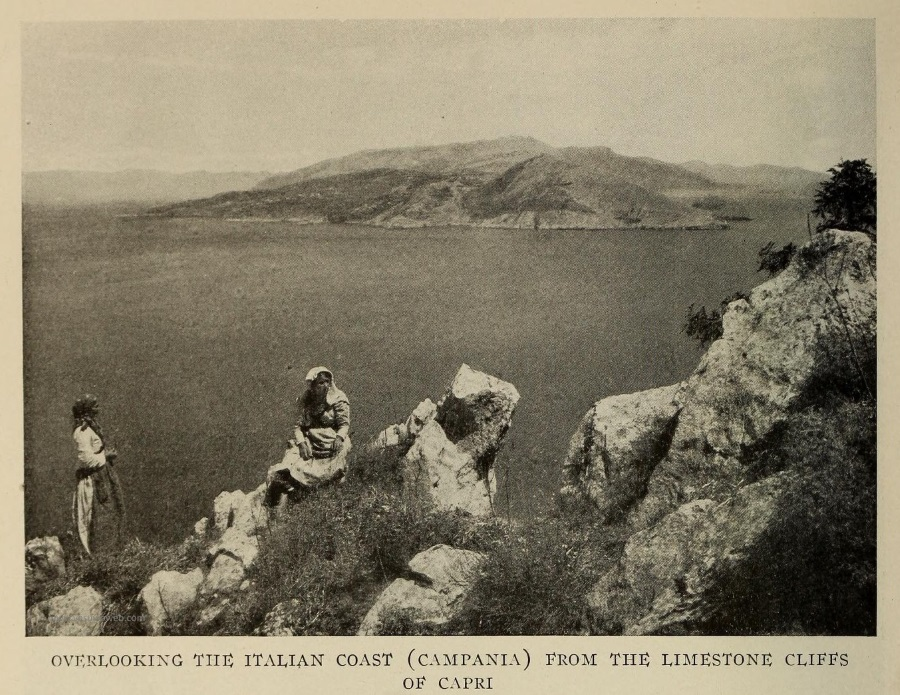 12 The National Geographic Magazine 1888 - Capri, dalla Rupe di Tiberio, con la Penisola Sorrentina - vesuvioweb 2016