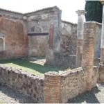 22 Casa pompeiana - Larario - Casa di Rufus - vesuvioweb