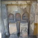 23 Casa pompeiana - Larario - Casa di Apollo - vesuvioweb