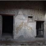 3 Casa Pompeiana, larario - Casa di Narciso vesuvioweb3