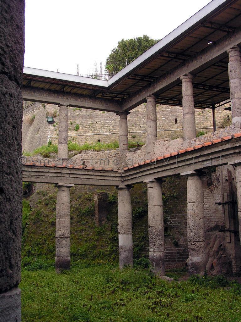 colonne portico limbiate villa medolago portico con