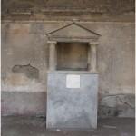 47 Casa pompeiana - Larario - Casa dei Dioscuri - vesuvioweb