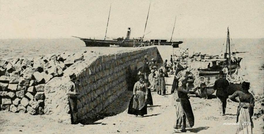 5 Capri il molo di marina grande - John L Stoddard's lectures 1909 - vesuvioweb 2016