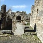 50 Casa pompeiana - Larario - Casa del Fabbro o di Marcus Volusius Iuvencus and the Equitiai - vesuvioweb1
