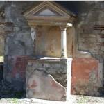 9 Casa pompeiana - Larario - Casa dal Giardino di Ercole o Casa del Profumiere - vesuvioweb