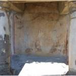 9 Casa pompeiana - Larario - Casa dal Giardino di Ercole o Casa del Profumiere - vesuvioweb1