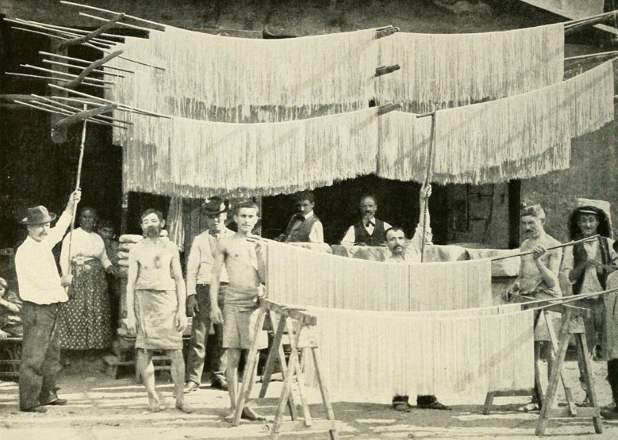 Vesuvio da Le Naturaliste del 1908 - vesuvioweb 2016 - Fabbrica di maccheroni