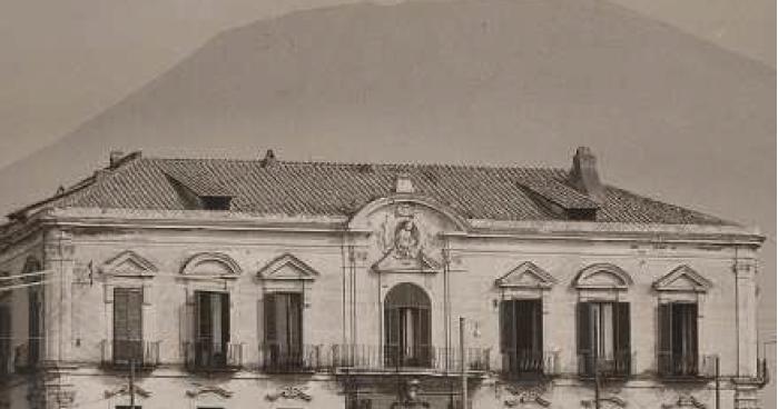 Ernesto pinto il palazzo del cardinal giuseppe spinelli a for 1 casa di storia